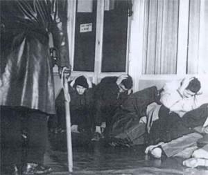 manifestantsalgeriens17octobre1961300x253